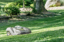 7 Amazing Robotic Lawn Mowers of 2020 – Now you can spend mowing time with your loved ones!